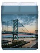 Ben Franklin Bridge In Philadelphia In The Early Morning Duvet Cover