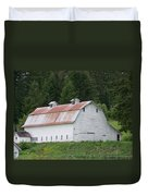 Big White Old Barn With Rusty Roof  Washington State Duvet Cover