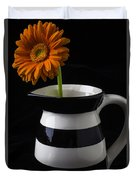 Black And White Vase With Daisy Duvet Cover