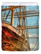 Boat - Ny - South Street Seaport - Peking Duvet Cover by Mike Savad