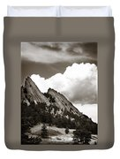 Large Cloud Over Flatirons Duvet Cover