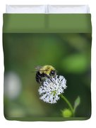 Bumble Bee On White Wild Flower On Banks Of Tennessee River At Shiloh National Military Park Duvet Cover