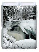 Cattyman Falls In Winter - Vertical Duvet Cover
