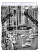 Chicago River Boat Migration In Black And White Duvet Cover