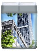 Chicago Water Tower Place Facade And Signage Duvet Cover