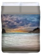 Chief Kiawanda Rock At Cape Kiwanda In Oregon Coast Duvet Cover