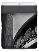 Cloud Gate And Aon Center Black And White Duvet Cover