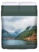 Cruising Lake Como Italy Duvet Cover