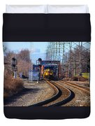 Csx Coming Towards Bound Brook Station Duvet Cover