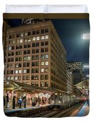 Cta Pulls Into The State-lake Street Station Chicago Illinois Duvet Cover