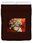 Daisies And Ginger Jar Duvet Cover