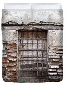 Decaying Wall And Window Antigua Guatemala 3 Duvet Cover