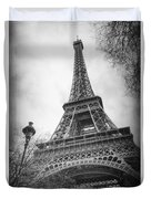 Eiffel Tower And Lamp Post Bw Duvet Cover