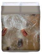 Floating Milkweed In Macro Duvet Cover