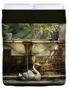 Flower - Wisteria - Fountain Duvet Cover