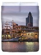 Gloria Visiting Tampa Duvet Cover
