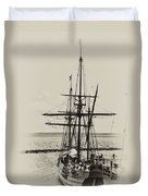Godspeed At Port In Jamestown Duvet Cover