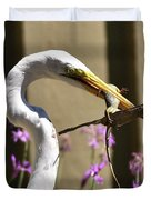Great Egret With Lizard Who Is Holding Onto Wood Duvet Cover