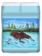Grizzley Catching Fish In Stream Duvet Cover
