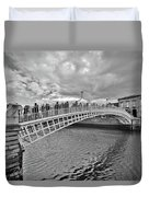 Ha' Penny Bridge In Black And White Duvet Cover