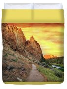Hiking Trail At Smith Rock State Park Duvet Cover