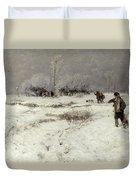 Hunting In The Snow Duvet Cover by Hugo Muhlig