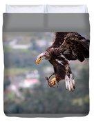 Immature Bald Eagle Landing Duvet Cover