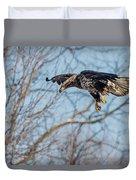 Immature Eagle Wheels Down Duvet Cover