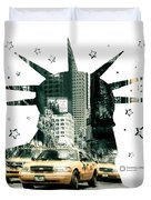 Lady Liberty And The Yellow Cabs Duvet Cover