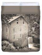 Lanterman's Mill In Mill Creek Park Black And White Duvet Cover