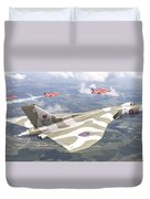 Last Royal Escort - Avro Vulcan Duvet Cover