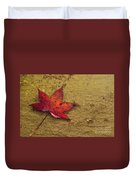 Leaf In The Rain Nature Photograph Duvet Cover