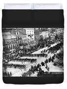 Lincolns Funeral Procession, 1865 Duvet Cover by Photo Researchers, Inc.