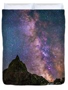 Lone Eagle Peak Dancing In The Milky Way Duvet Cover