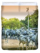 Longhorn Cattle Sculpture In Pioneer Plaza, Dallas Tx Duvet Cover