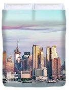 Midtown Manhattan Skyline At Sunset, New York City, Usa Duvet Cover