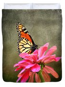 Monarch Butterfly And Pink Zinnia Duvet Cover