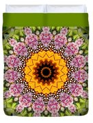 Monarch Butterfly On Milkweed Kaleidoscope Duvet Cover