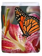 Monarch On A Stargazer Lily Duvet Cover