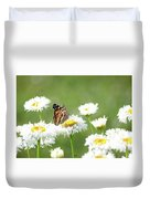 Monarch On Daisies Duvet Cover