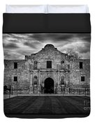 Moody Morning At The Alamo Bw Duvet Cover