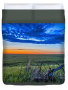 Moon And Venus In Conjunction At Dawn Duvet Cover