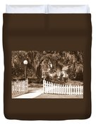 Mossy Live Oak And Picket Fence Duvet Cover