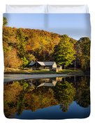 Mountain Lake Beach With Fall Color Reflections Duvet Cover