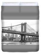 Nyc Manhattan Bridge In Black And White Duvet Cover