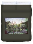 Nyc Resting In Central Park Duvet Cover