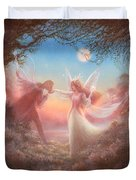 Oberon And Titania Duvet Cover