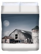 Old Barn And Winter Moon - Snowy Rustic Landscape Duvet Cover