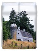 Old Barn In Field Duvet Cover