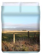 Old Fence And Landscape Along Sir Francis Drake Boulevard At Point Reyes California . 7d9965 Duvet Cover